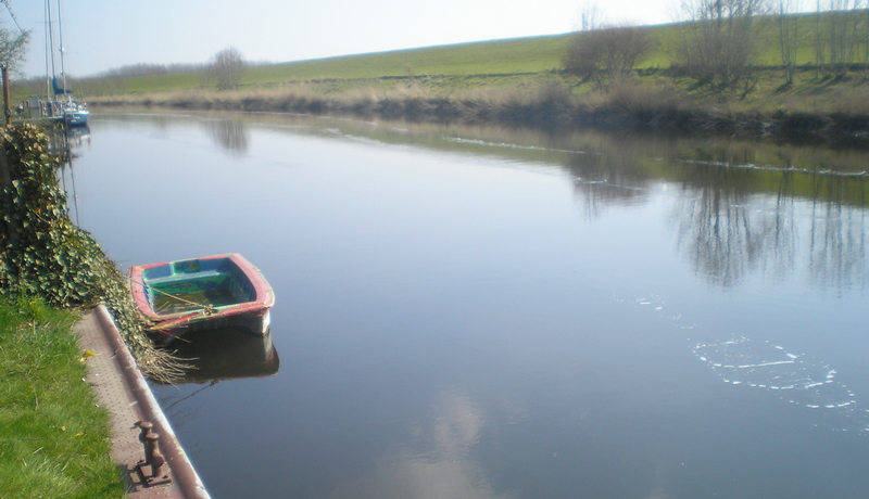 Aktive Stützung des Gewässers durch Sauerstoffzugabe in das Hooksieler Binnentief
