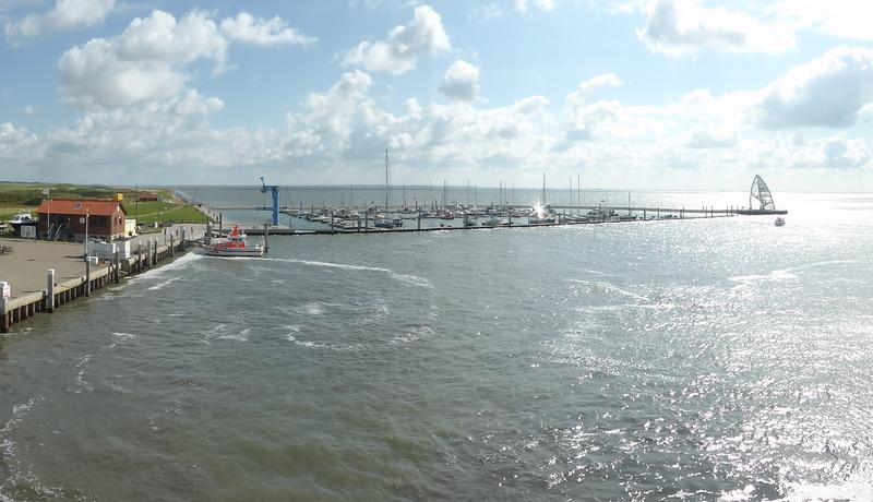 Ansicht des Sportboothafens vom Gemeindehafen
